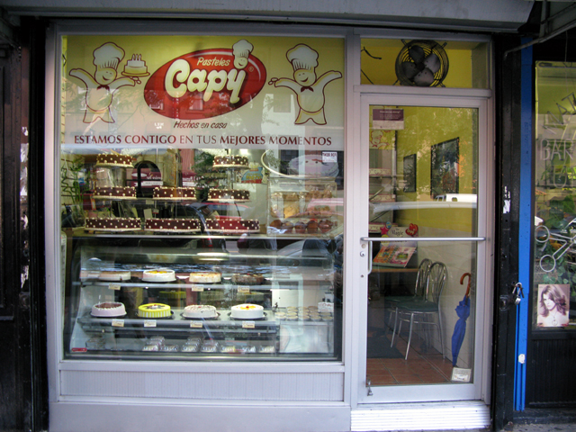Phot of the front of the Pasteless Capy Bakery