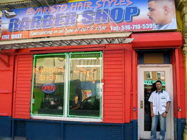 Photo of the outside of Evaristo Hair Styles Barbershop.