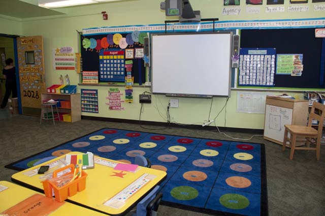 Photo of classroom.