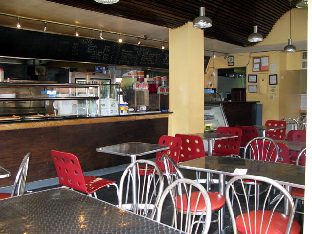 Photo of the inside of La Nuestra Pizzeria