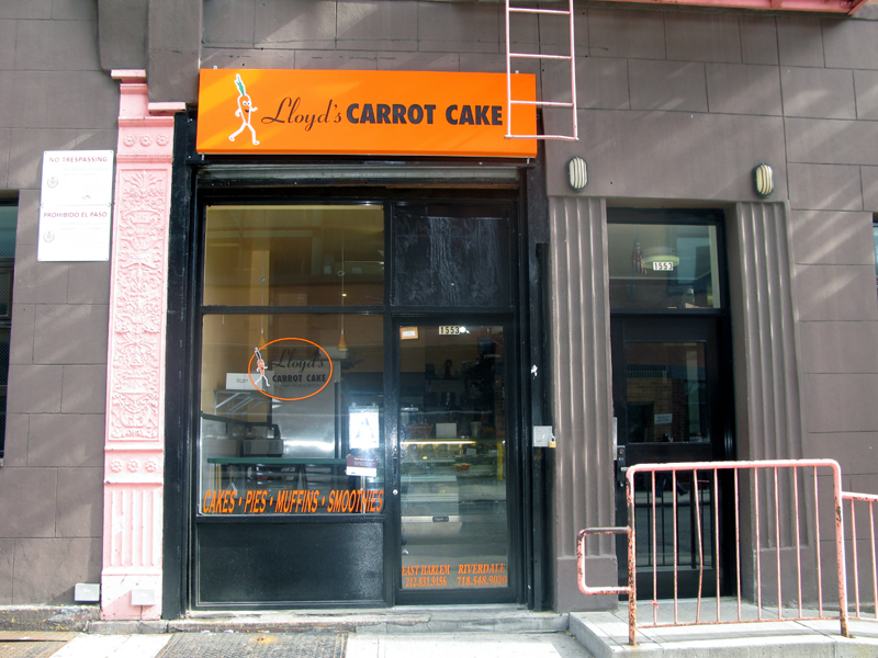 Photo of the front of Lloyd's Carrot Cake Cafe