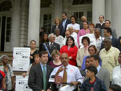 Picture of the Coalition at the step of City Hall annoucing the Asthma March